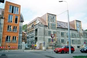 Три старых дома на улице Татари (№№ 18, 20, 22) превращаются в современный жилой комплекс.