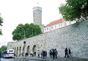 Рядом с башней Длинный Герман был построен небольшой бастион, носящий имя Готский.