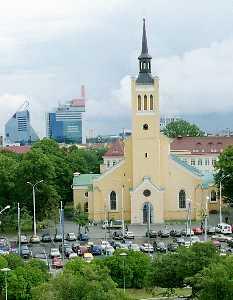 Построенную по проекту архитектора Кристофа Габлера церковь святого Иоанна (Яана) трудно отнести к шедеврам зодчества.
