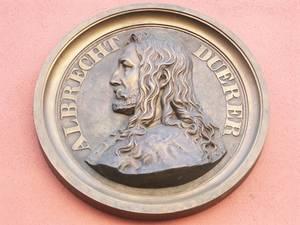 Город бережно хранит память об Альбрехте Дюрере.