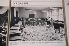 На фотографиях во Дворце правосудия запечатлена история Нюрнбергского процесса в лицах и фактах.