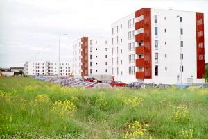 В начале ХХI столетия со стороны Журавлиного поля улицу Валге застроили рядами одинаковых многоэтажных жилых домов торцами в сторону моря.