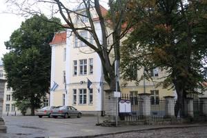 Гимназия Густава Адольфа, основанная в 1631 году, благополучно работает и по сей день.