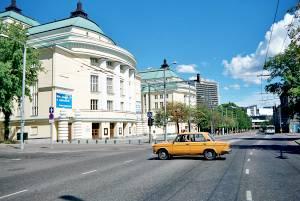 Здание театра и концертного зала «Эстония» не спутаешь ни с одним зданием мира!