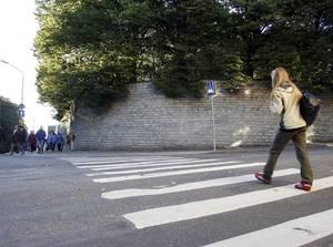 Перекресток улиц Команданди, Фальги и Тоомпеа — предполагаемое место расстрела тех, кто первым поднял над Таллинном сине-черно-белый флаг в сентябре 1944-го.