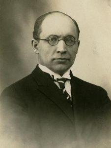 Юри Улуотс