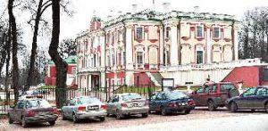 мператор Николай I осенью 1827 года останавливался в Екатерининском дворце.