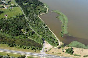 Тартуское шоссе и озеро Юлемисте