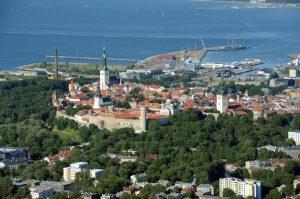 Старый Город, и порт Таллина