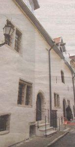Восставший буквально из небытия дом под номером 10 по улице Сауна - украшение всего Старого города.