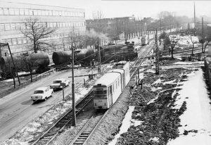 """Ул. Им. М.И. Калинина. Трамвай """"Гота"""" (ГДР). Фотография сделана с моста, ныне не существующего."""