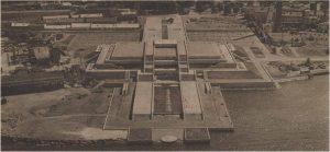 Таллиннский горхолл в год своего открытия, вид с воздуха: композиционная ось с гостиницей «Виру» очевидна