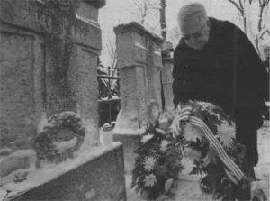 Венок к могиле Яана Поска в 95-ю годовщину смерти политика венок к могиле Яана Поска возложил столичный мэр Эдгар Сависаар.