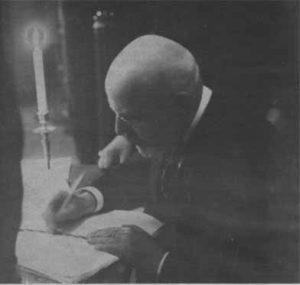 Яан Поска во время подписания мирного договора с Советской Россией. Почтовая открытка начала двадцатых годов.