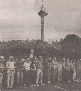 Таллиннцы, пришедшие на защиту телебашни. 20 августа 1991 года, вечер.