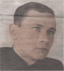 Командир легендарной подлодки — капитан-лейтенант П. Кузьмин. Фото 1942 года.