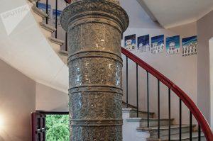 Фрагмент внутренней лестницы мызы Вазалемма © SPUTNIK / ВЛАДИМИР БАРСЕГЯН