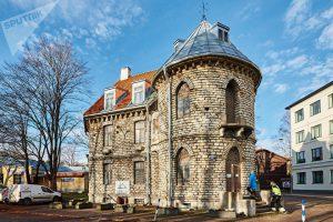 Здание старой ратуши тоже спроектировал Николай фон Глен. Фото: Вадим Анцупов
