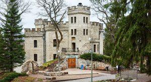 Барон Николай фон Глен сам спроектировал замок и принимал активное участие в его строительстве. Фото: Вадим Анцупов