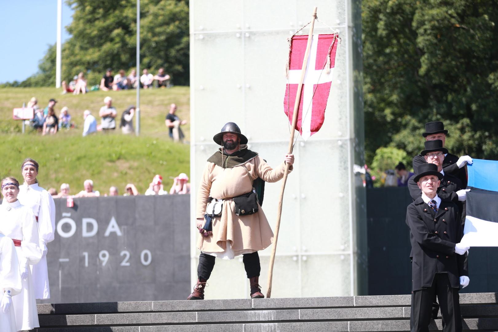 Городской Стражник, в роли датского знаменосца. На встрече с Королевой Маргаретте II.