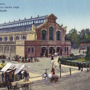 Новый рынок Ревеля со зданием торговых рядов. Открытка начала ХХ века.