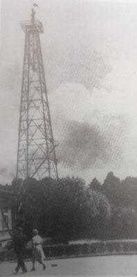 Буровая вышка, собранная на территории предприятия в 1948 году.