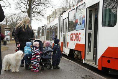 Для поколения родителей Георг Отс – это еще и имя на борту парома хельсинской линии, для поколения детей – название мемориального трамвая маршрута Тонди-Кадриорг.
