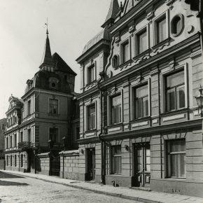Фасад Дома кино – один из самых ярких образцов эклектики в архитектуре Старого Таллинна.