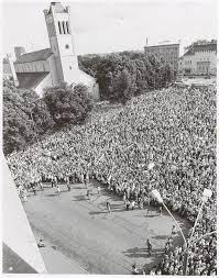 Митинг на площади Вабадузе 20 августа 1991 года - за считанные часы до восстановления государственной независимости.